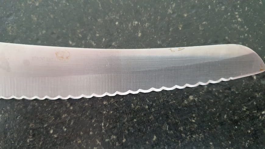 how to remowe rust from kitchen knives